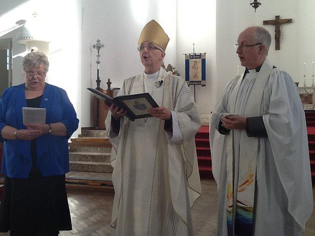 Eileen taking her vows
